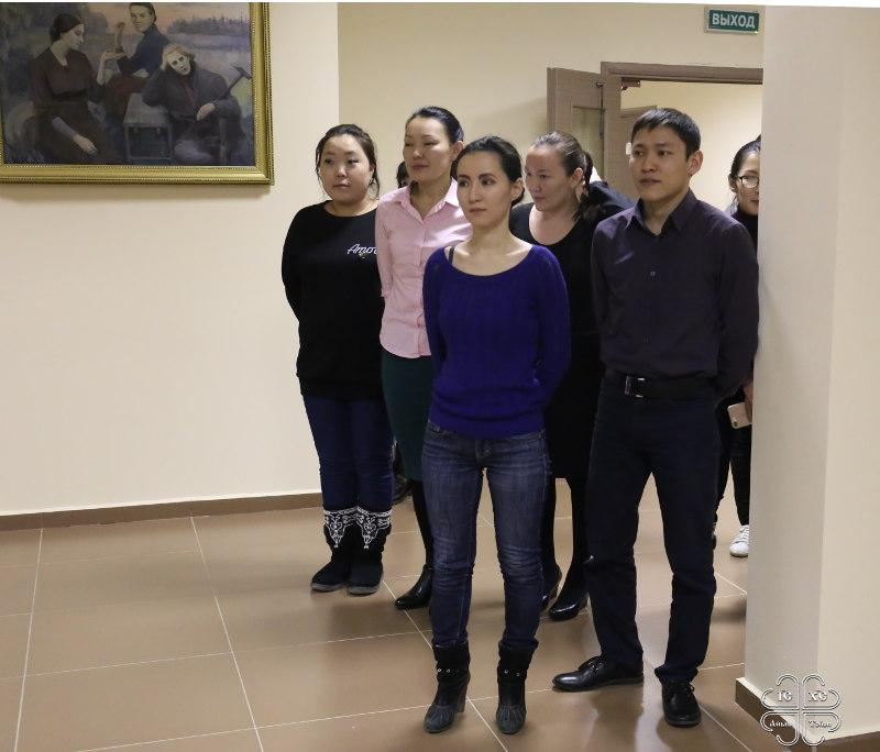 Архипастырский визит в Мирный начался с молитвы в вузе
